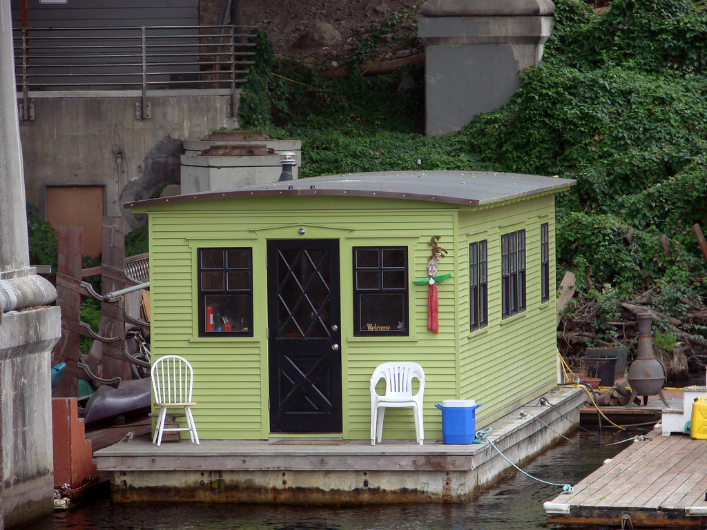 How a Visit to a Tiny House Revealed the Essence of A Dream